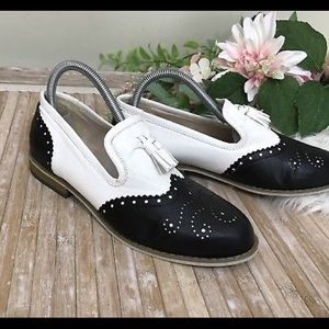 Wanted Spectator Flats 7.5 Wingtip Tassels Loafers